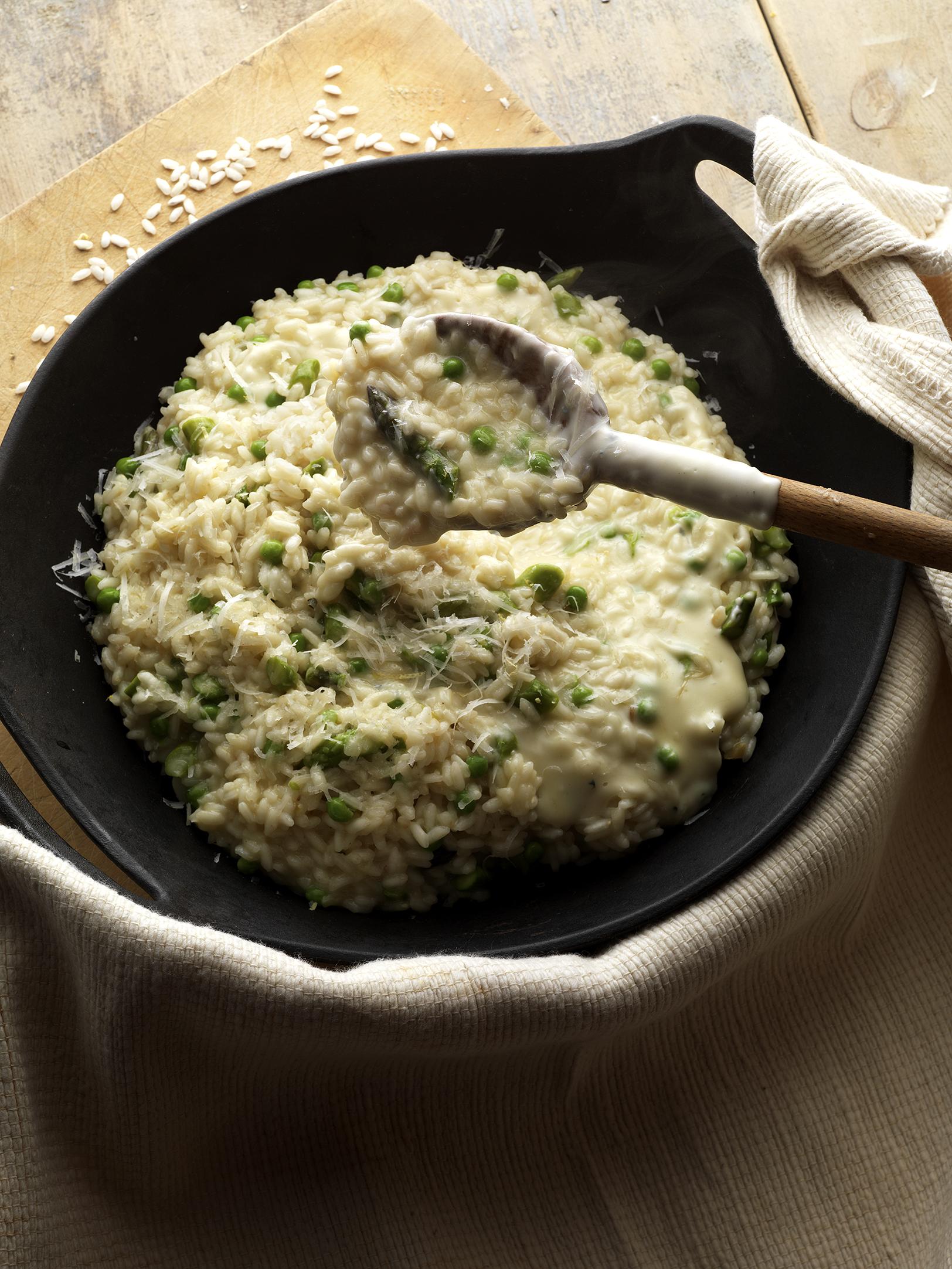 Asparagus and spring pea risotto ''fonduta Quattro formaggi ''