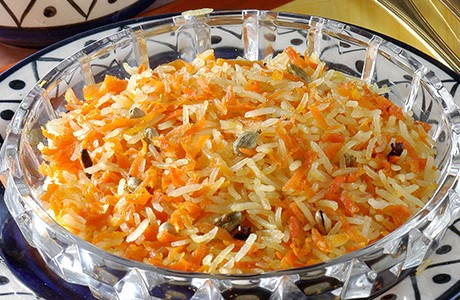 Sweetened Rice Mixed with Grated Carrots (v)